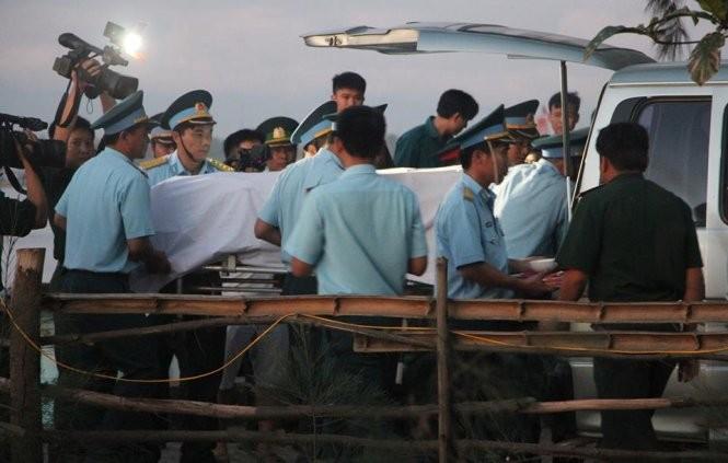 Đất mẹ đã đón nhận thi thể phi công Su-30MK2 Trần Quang Khải ảnh 5