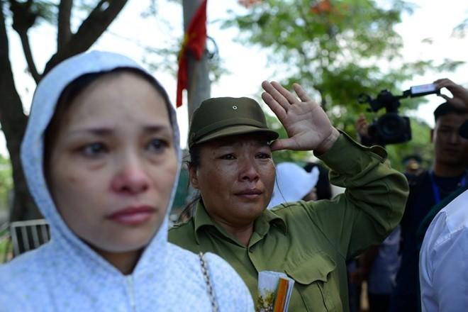 Người dân tiếc thương phi công xuất sắc của không quân Việt Nam ảnh 5