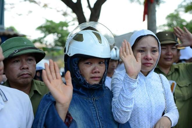 Người dân tiếc thương phi công xuất sắc của không quân Việt Nam ảnh 6