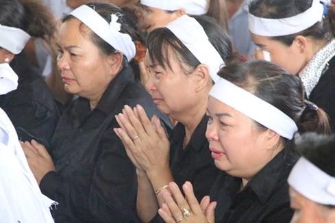 Người dân tiếc thương phi công xuất sắc của không quân Việt Nam ảnh 23