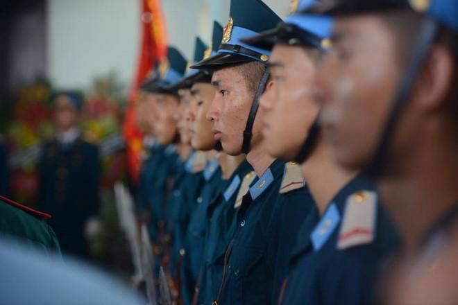 Người dân tiếc thương phi công xuất sắc của không quân Việt Nam ảnh 20