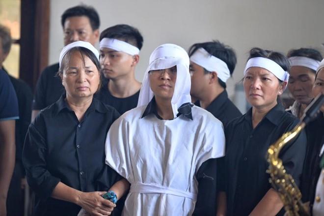 Người dân tiếc thương phi công xuất sắc của không quân Việt Nam ảnh 17