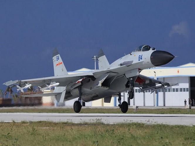 Chiến đấu cơ J-11B của Trung Quốc triển khai trái phép tại đảo Phú Lâm thuộc quần đảo Hoàng Sa