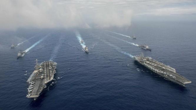 Hai mẫu hạm với hàng trăm chiến đấu cơ, 6 chiến hạm khác cùng 12.000 binh sĩ đã được Mỹ huy động trong cuộc tập trận mới đây