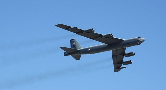 Pháo đài bay B-52 của Mỹ đã vài lần bay qua không phận các đảo nhân tạo Trung Quốc xây dựng phi pháp ở Biển Đông