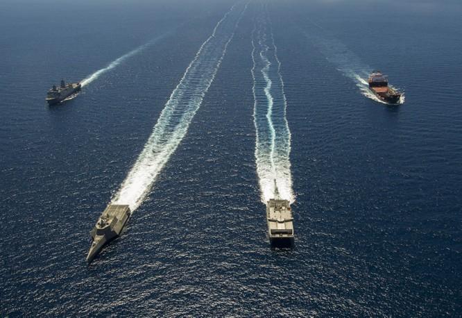Biên đội chiến hạm tác chiến ven bờ của Mỹ dàn trận