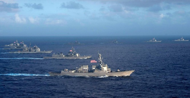 Cuộc tập trận chung gần Philippines mới đây của hải quân Mỹ và Nhật Bản