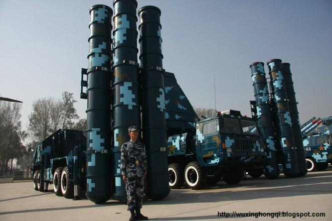 Trung Quốc đã triển khai tên lửa phòng không HQ-9 ra đảo Phú Lâm thuộc quần đảo Hoàng Sa của Việt Nam, gần đây có thông tin Trung Quốc đã rút các khẩu đội này khỏi Phú Lâm