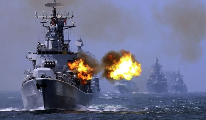 Hải quân Nga và Trung Quốc tập trận chung trên biển