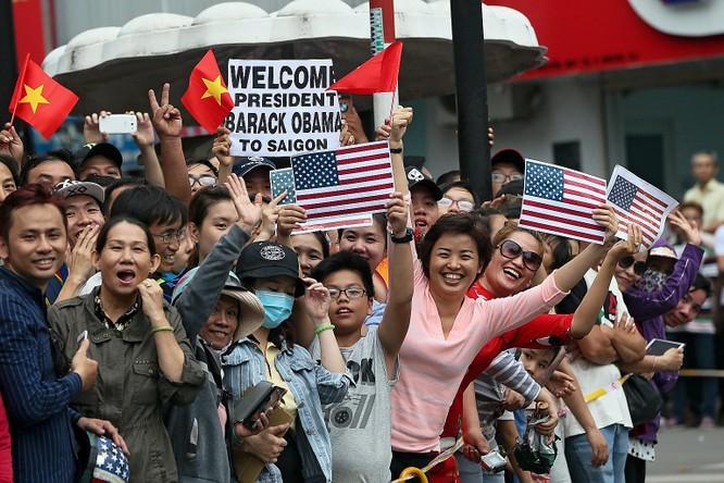 Người dân Việt Nam đã khép lại quá khứ, nồng nhiệt chào đón tổng thống Mỹ Barack Obama trong chuyến thăm Việt Nam