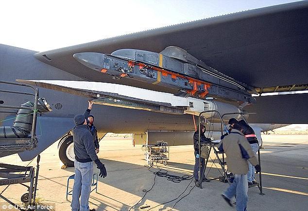 Mỹ dựa nhiều vào các loại vũ khí thông minh tác chiến ngoài tầm với của đối phương như loại tên lửa này