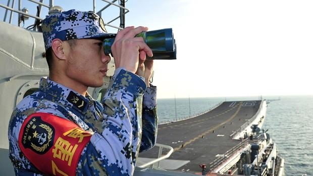 Binh sĩ trên tàu sân bay Liêu Ninh
