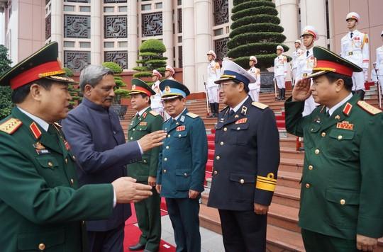 Bộ trưởng Quốc phòng Ấn Độ cũng đã có chuyến thăm Việt Nam trước ông Modi