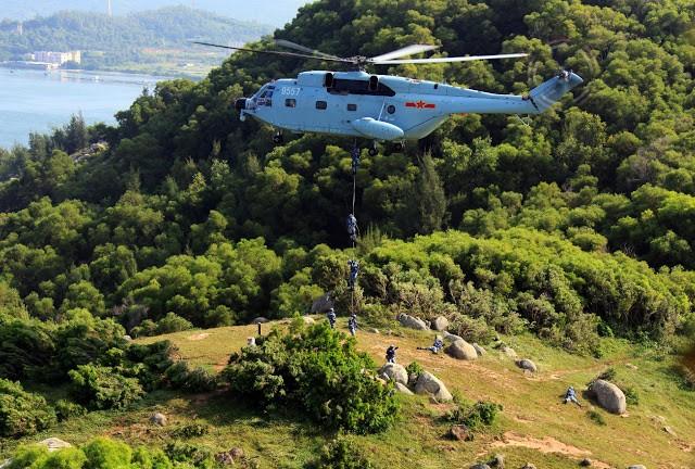 Lính Trung Quôc đổ bộ từ trực thăng