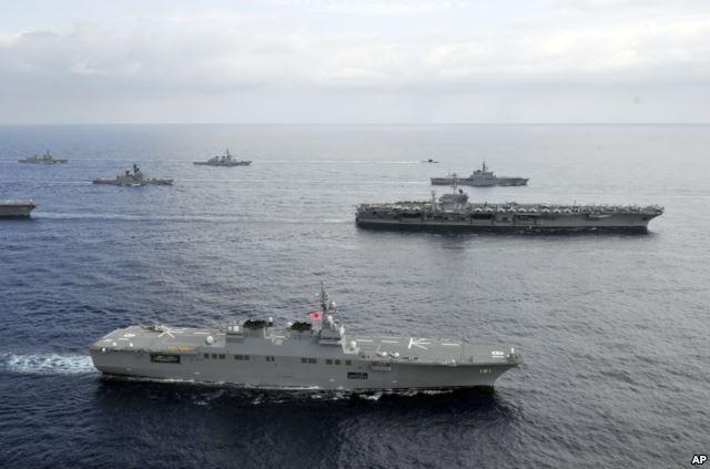 Chiến hạm hải quân Mỹ và Nhật Bản tập trân gần Philippines