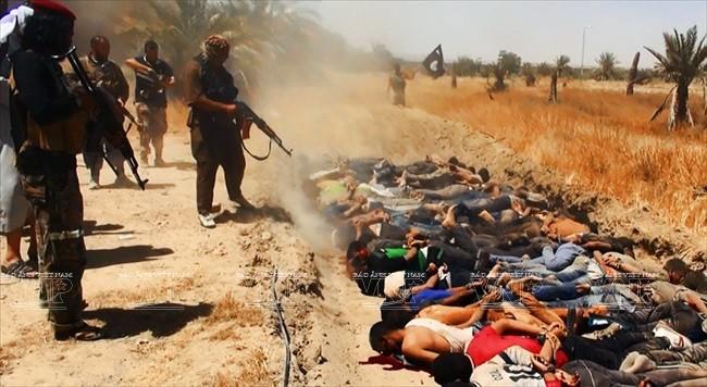 Phiến quân IS hành quyết hàng chục nhân viên an ninh Iraq tại tỉnh Salaheddin. Ảnh: AFP/TTXVN