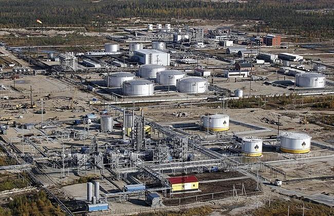 Nhà máy lọc dầu Rosneft ở thị trấn Gubkinsky, Tây Siberia (Nga). Ảnh: AFP/TTXVN