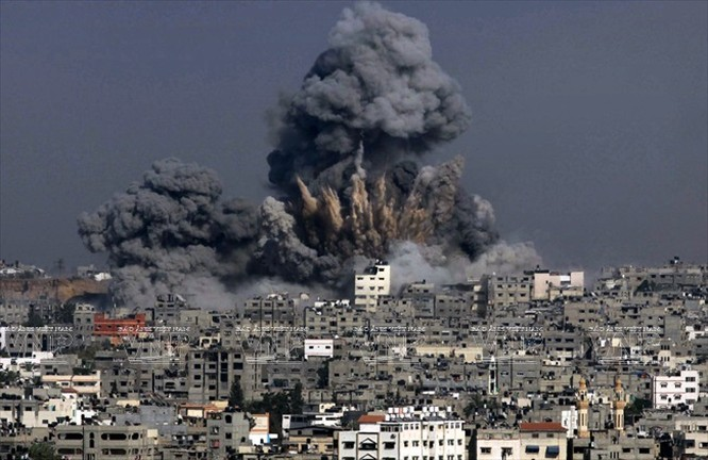 Máy bay Israel oanh kích xuống Dải Gaza ngày 29/6. AFP/ TTXVN
