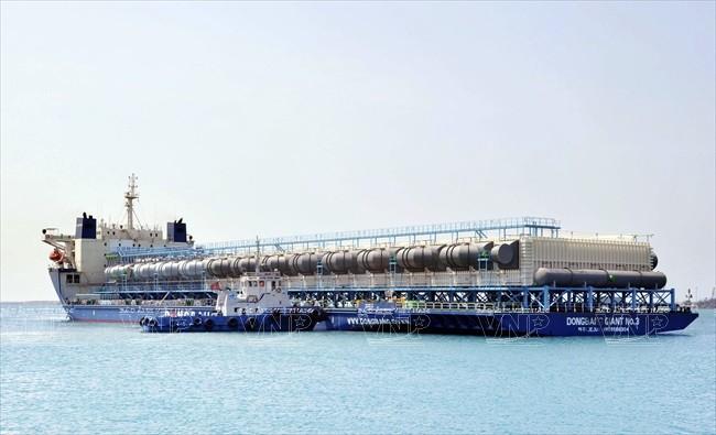 Công ty TNHH Công nghiệp nặng Doosan Việt Nam (Doosan Vina) xuất khẩu thiết bị khử mặn hóa hơi sang Saudi Arabia. Ảnh: Nguyễn Đăng Lâm - TTXVN