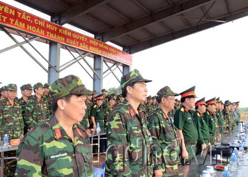 Lãnh đạo Quân đoàn 4 theo dõi và chỉ đạo diễn tập