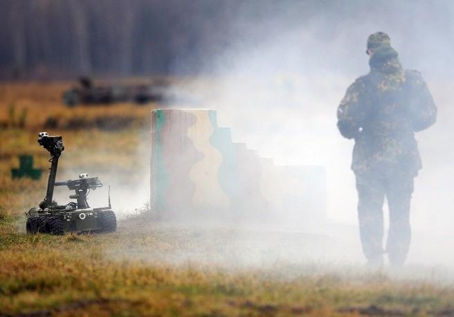 Robot cơ động Metallist của Nga, được thiết kế để thu thập thông tin và hỗ trợ chiến đấu.