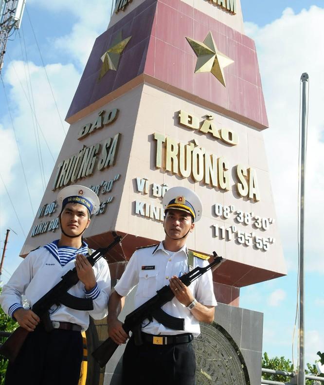 Chiến sĩ hải quân ở Trường Sa. Ảnh: Minh Thăng