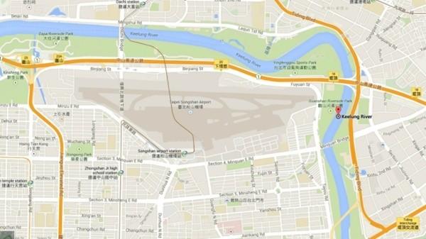 Máy bay chở khách Đài Loan lao xuống sông, ít nhất 31 người chết ảnh 1
