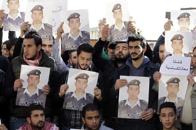 Jordan xử tử tù binh IS để trả thù cho phi công ảnh 1
