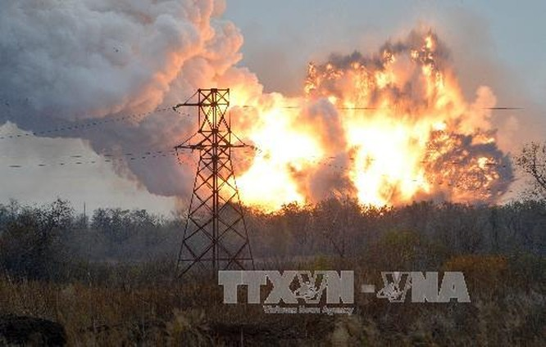 Thượng nghị sĩ McCaine: Ukraine dùng bom chùm là 'lỗi của Mỹ' ảnh 1