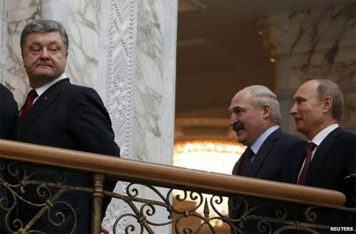 Putin bắt tay Poroshenko tại đàm phán 4 bên về Ukraine ảnh 1
