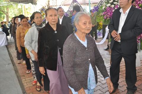 Hàng nghìn người tiễn đưa ông Nguyễn Bá Thanh lần cuối ảnh 9