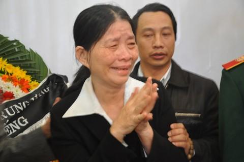 Hàng nghìn người tiễn đưa ông Nguyễn Bá Thanh lần cuối ảnh 10