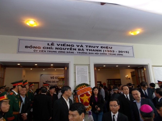 Hàng nghìn người tiễn đưa ông Nguyễn Bá Thanh lần cuối ảnh 5