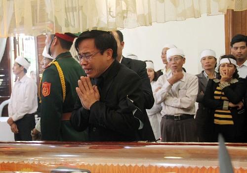 Hàng nghìn người tiễn biệt ông Nguyễn Bá Thanh ảnh 3
