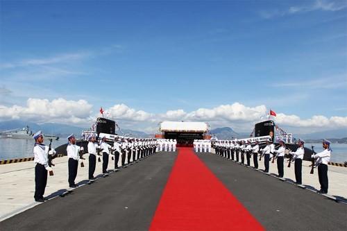 Toàn cảnh Lễ thượng cờ cấp quốc gia 2 Tàu ngầm 182 Hà Nội và 183 TP Hồ Chí Minh;