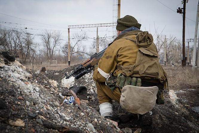 """""""Chảo lửa"""" Debaltsevo tan hoang sau trận huyết chiến khốc liệt ảnh 26"""