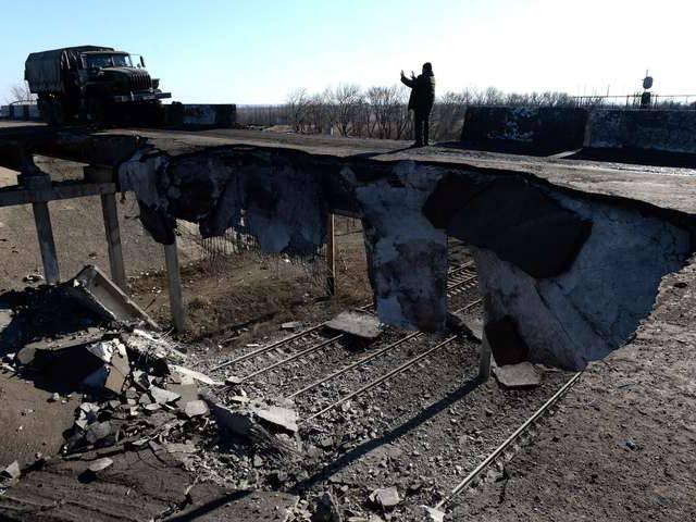 """""""Chảo lửa"""" Debaltsevo tan hoang sau trận huyết chiến khốc liệt ảnh 2"""