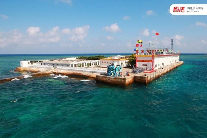 """Đảo nhân tạo - """"tàu sân bay giá rẻ"""" của Trung Quốc trên Biển Đông ảnh 1"""
