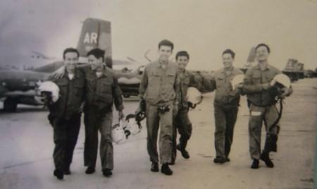 Bí mật 2 giờ thần tốc chuyển loại máy bay A-37 ném bom Dinh Độc lập ảnh 1