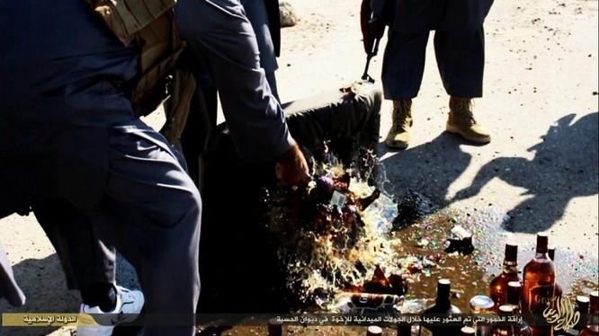 Cuộc sống tàn khốc bên trong lãnh thổ Nhà nước Hồi giáo (phần 2) ảnh 21