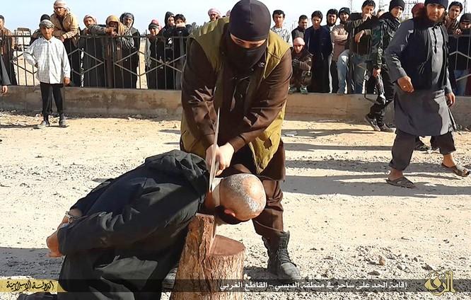 Cuộc sống tàn khốc bên trong lãnh thổ Nhà nước Hồi giáo (phần 2) ảnh 40
