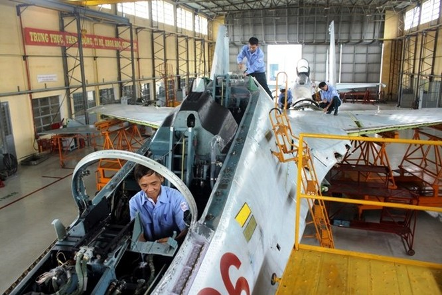 Thăm A32 - nhà máy sửa chữa, bảo dưỡng máy bay tiêm kích của VN ảnh 2