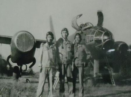 Giải mật lịch sử đơn vị máy bay ném bom Không quân VN - Phần 1 ảnh 1