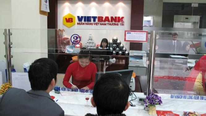 """Những ngân hàng Việt """"sống"""" trong im lặng ảnh 1"""
