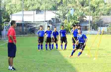 Bắt đầu chiến dịch tuyển học viên bóng đá tài năng ảnh 1