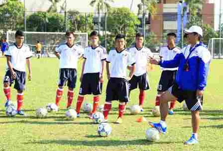 Bắt đầu chiến dịch tuyển học viên bóng đá tài năng ảnh 3