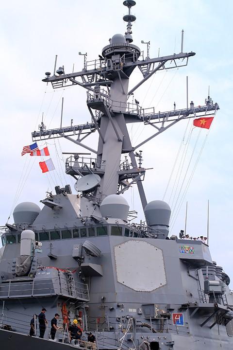 Hai tàu khu trục của Mỹ cập cảng Đà Nẵng ảnh 3