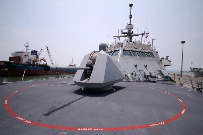 Hai tàu khu trục của Mỹ cập cảng Đà Nẵng ảnh 8