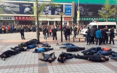 Hơn 30 tài xế taxi tự tử tập thể ở Trung Quốc ảnh 1