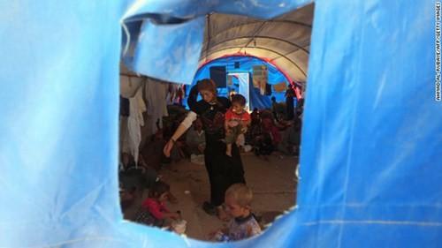 IS bất ngờ phóng thích 200 tù nhân người Yazidis ảnh 1